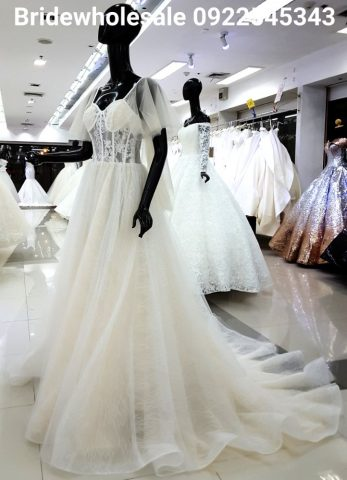 Fashionable Wedding Gown